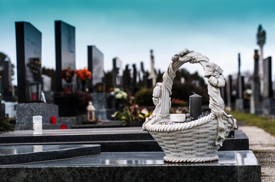 cemetery-1758349_960_720