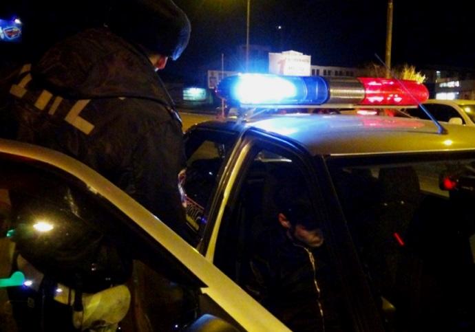 На трассе Полоцк - граница РФ задержали «Рено Сценик». Водитель перевозил в нем 100 литров антисептика и 140 — коньяка и водки