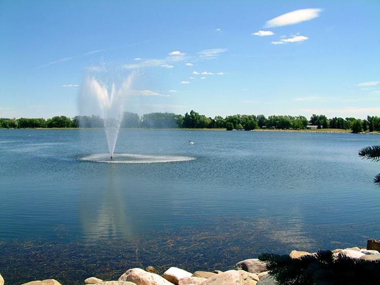 Henderson_Lake