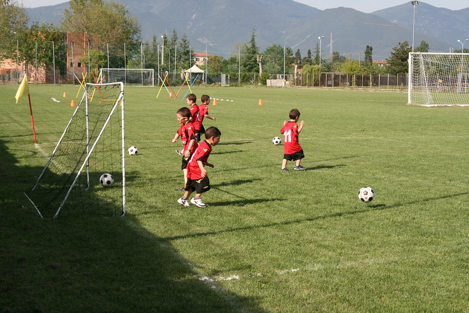 football-1484201_960_720