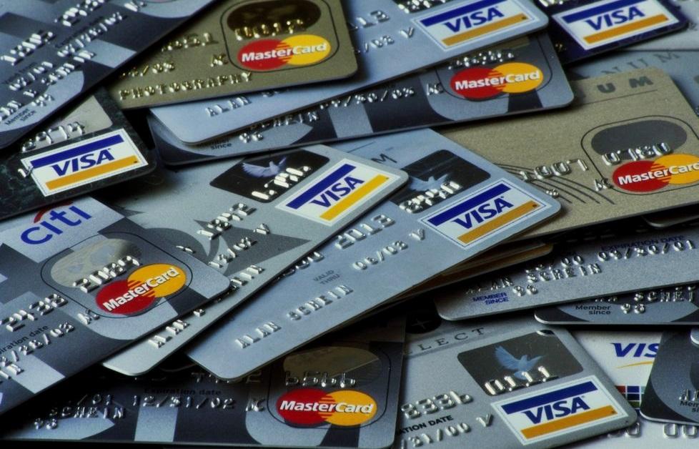 platebni-karta-internet-nakupy-v0